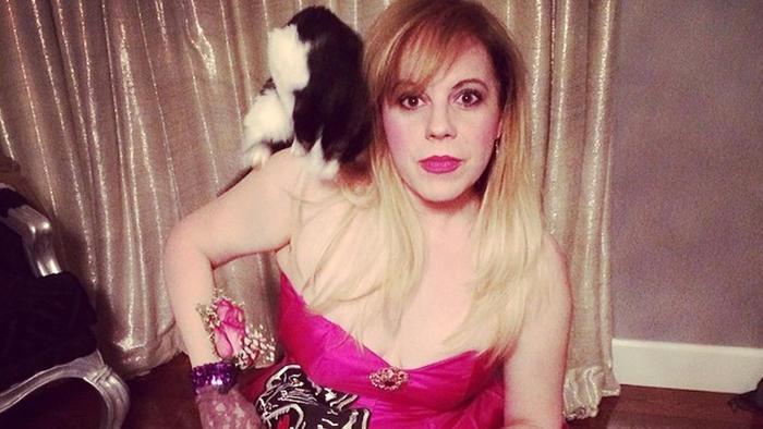 Z Kirsten Vangsness se stává šílená kočičí majitelka!